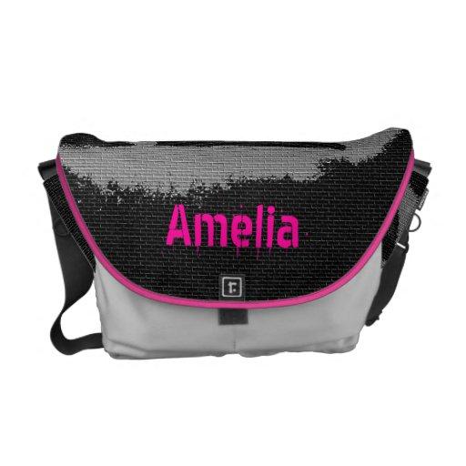 Añada la bolsa de mensajero negra rosada conocida  bolsas de mensajería