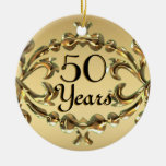 Añada los nombres 50 años del aniversario de ornamentos de navidad