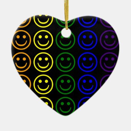 Añada los regalos del texto y de las imágenes: adorno de cerámica en forma de corazón