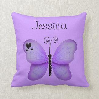 Añada su almohada decorativa de la mariposa púrpur