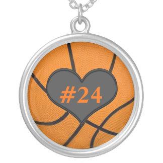 Añada su collar del baloncesto del número de los