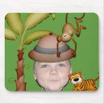 Añada su foto a un tema salvaje del safari de alfombrilla de ratón