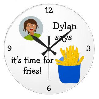 Añada su foto: 'Hora para las fritadas Reloj Redondo Grande