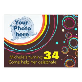 """Añada su foto que el 34to cumpleaños enrrollado invitación 5"""" x 7"""""""