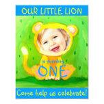 añada su león divertido lindo del cumpleaños de la invitación personalizada