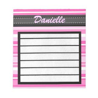 Añada su libreta conocida de las rayas del rosa bloc de papel