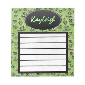 Añada su libreta verde conocida del diseñador blocs de notas