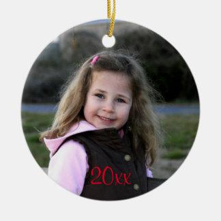 Añada su ornamento de encargo del navidad de la adorno navideño redondo de cerámica