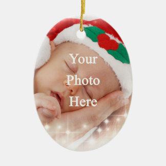 Añada su propia foto adorno navideño ovalado de cerámica