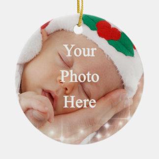 Añada su propia foto adorno navideño redondo de cerámica