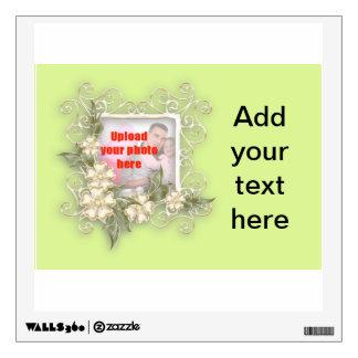 Añada una etiqueta conocida con las flores del oro vinilo adhesivo