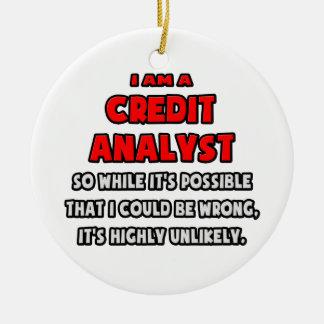 Analista de crédito divertido. Altamente Adorno