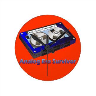 Analog Era Survivor! Round Clock