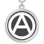 Anarchy símbolo Clásico (fondo negro) Colgante Redondo