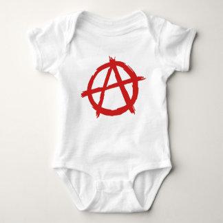 Anarquista rojo un logotipo de la anarquía del body para bebé