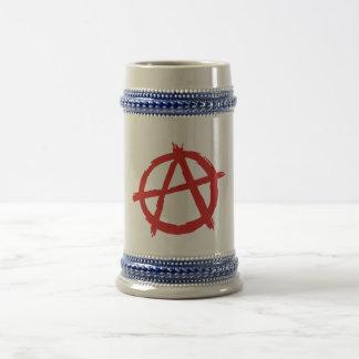 Anarquista rojo un logotipo de la anarquía del jarra de cerveza