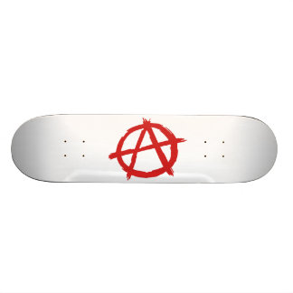 Anarquista rojo un logotipo de la anarquía del sím tablas de skate