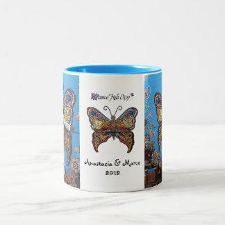 Anastacia y taza de la mariposa de Marco