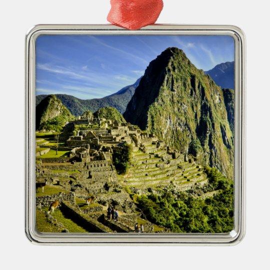Ancient Machu Picchu, last refuge of the Metal Ornament