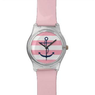 Ancla azul en rayas náuticas rosadas y blancas relojes de pulsera
