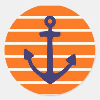 Ancla de la marina de guerra en raya anaranjada pegatina redonda
