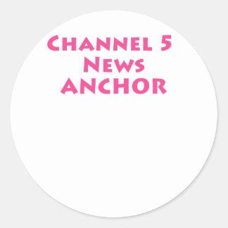 Ancla de las noticias del canal 5 pegatina redonda