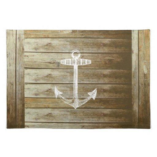 Ancla náutica en el gráfico de madera manteles