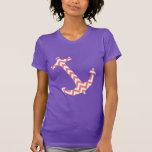 Ancla rosada y blanca coralina de Chevron Camisetas