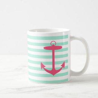 Ancla verde y rosada de la espuma del mar taza