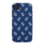 Anclas blancas en azules marinos iPhone 4 carcasa