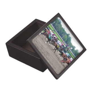 And They're off at Saratoga Gift Box