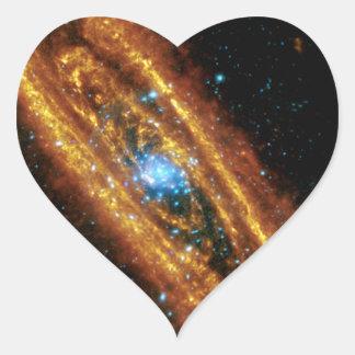 Andromeda en radiografía e infrarrojo pegatina en forma de corazón