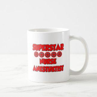 Anesthetist de la enfermera de la superestrella taza de café