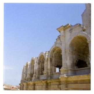 Anfiteatro romano antiguo en Arles, Azulejos