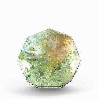Ángel abstracto en verdes verdes olivas y