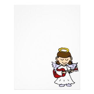 Ángel adorable de la niña con la guitarra plantilla de membrete