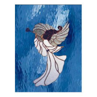 Ángel blanco del vitral en azul tarjeta postal