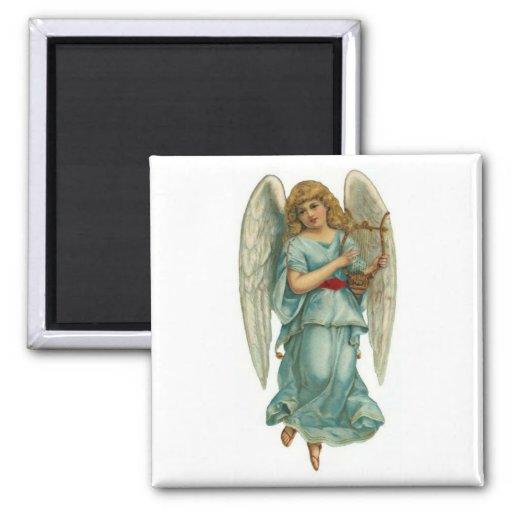 Ángel con alas y arpa imán cuadrado