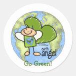 Ángel de la tierra - va el verde pegatinas redondas