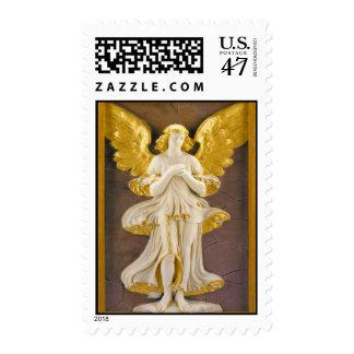 Ángel de oro del navidad sellos postales