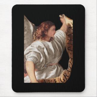 Ángel de Titian con la bandera Alfombrilla De Ratón