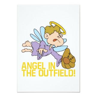 Ángel del campo abierto invitación 12,7 x 17,8 cm