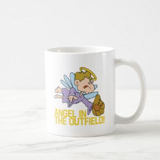 Ángel del campo abierto taza de café