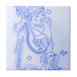 Ángel del navidad del canto con el perrito en azul azulejo cuadrado pequeño