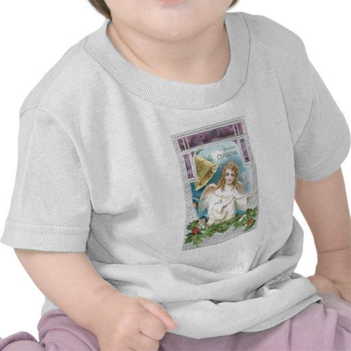 Ángel del navidad que suena una campana camiseta
