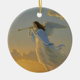 Ángel del ornamento del amanecer adorno navideño redondo de cerámica