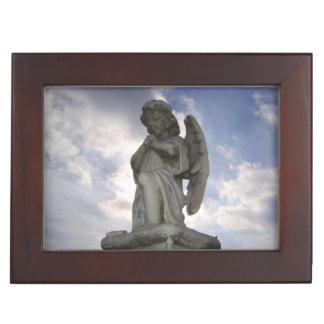Ángel en la caja del recuerdo del cielo cajas de recuerdos