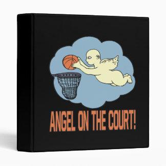 Ángel en la corte