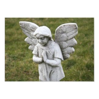 Ángel en la invitación del rezo