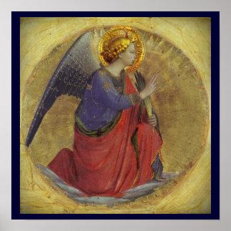 Ángel en oro posters